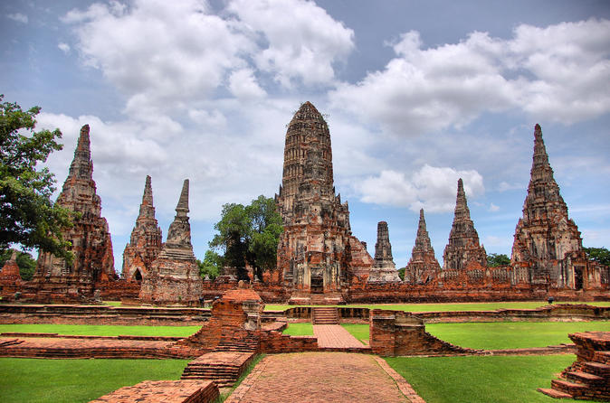 full-day-floating-market-and-ayutthaya-temples-tour-from-bangkok-in-bangkok-347971